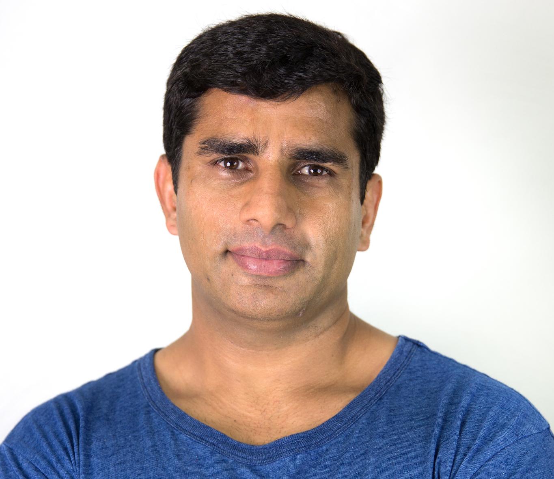 Dr Mumtaz Hussain